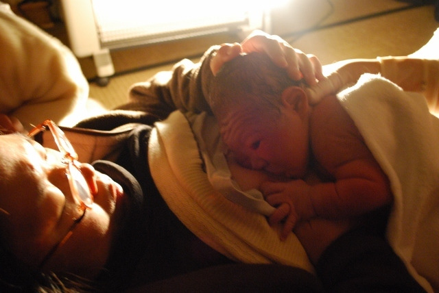 赤ちゃん 初乳
